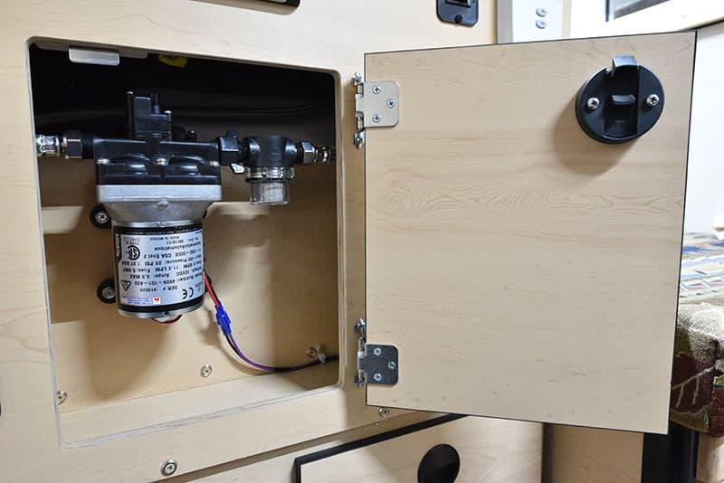Four Wheel Hawk Kitchen Water Pump