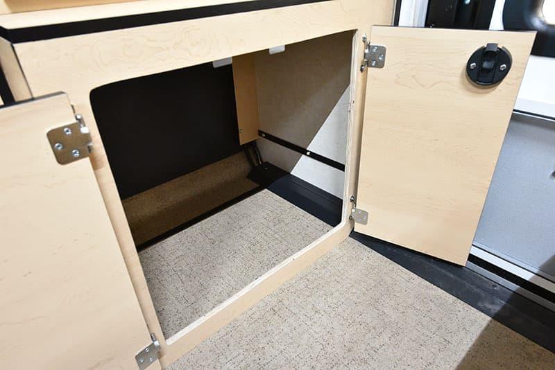 Four Wheel Hawk Porta Potty Cabinet 2