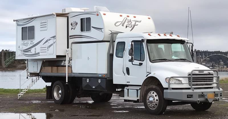 Freighliner Truck Camper