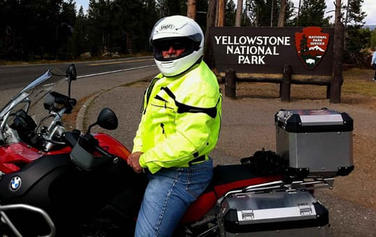 extreme-boondocking-cycle-yellowstone-national-park