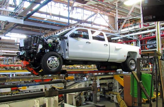 GMC-Denali-dually-assembly-line