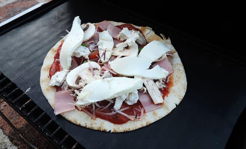 BBQ tortilla flatbread pizza