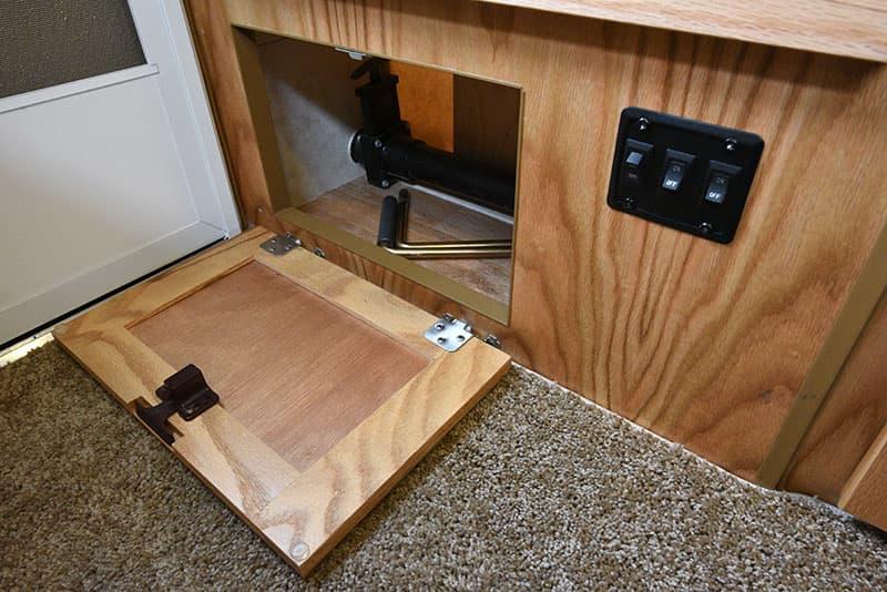Hallmark Milner Entry Door Nook Switches