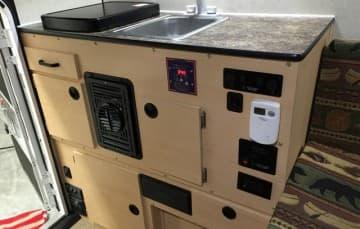 Four Wheel Camper Grandby kitchen storage