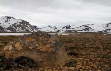 Iceland-scenery-edge-of-glacier-Langjokull