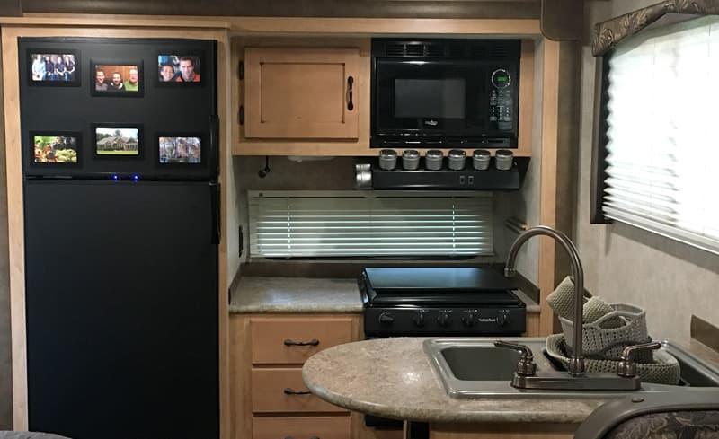 Kitchen of the Adventurer 116DS