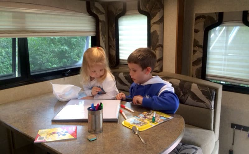 Lance 1062 coloring time