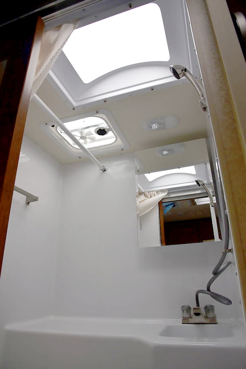 Lance-850-Bathroom