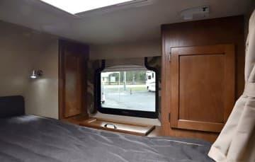Lance-850-Cabover-Passenger-Side
