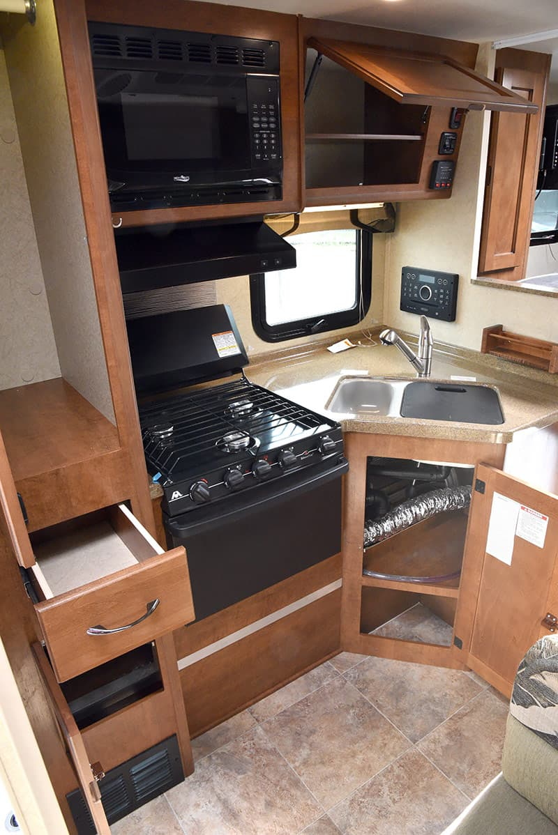 Lance 850 kitchen