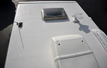 Lance 850 Roof