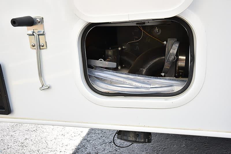 Lance-850-low-water-dump-valves