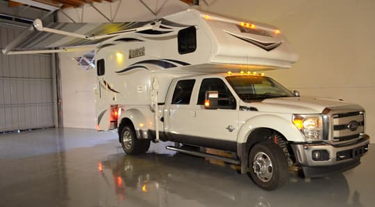 Lance 975 Camper Full Wall Slide Out With A Dry Bath