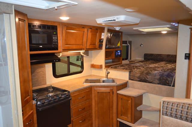 2015 Lance 995 Truck Camper Magazine