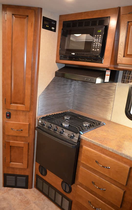Lance-995-galley-storage