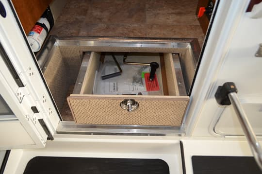 Lance-995-pull-out-drawer