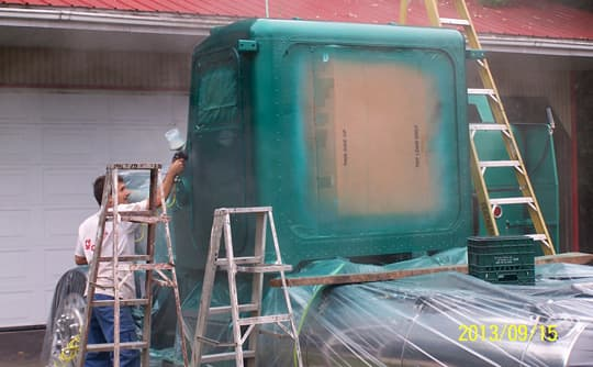 Peterbilt-Camper-painting