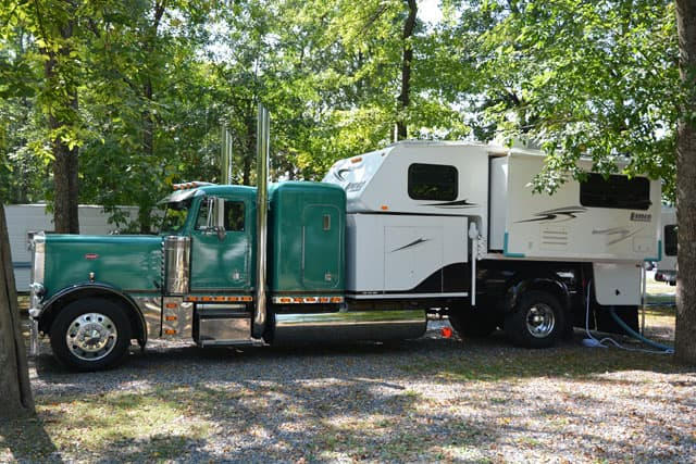 big rig truck camper build truck camper magazine. Black Bedroom Furniture Sets. Home Design Ideas