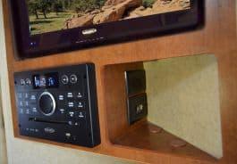 Lance-650-television-entertainment-amenities