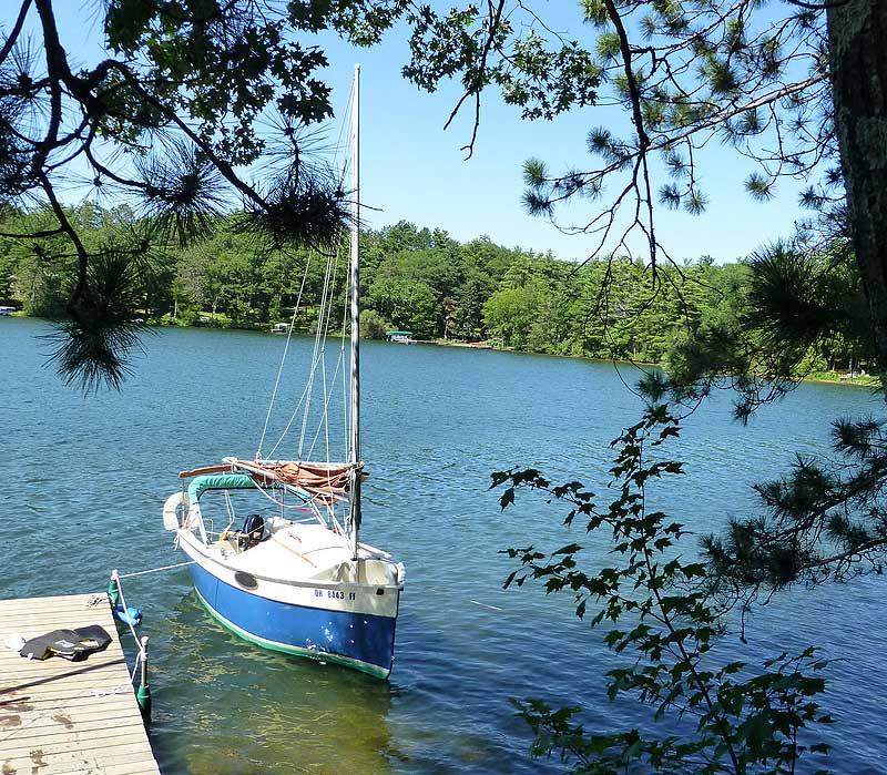 Little Peep Hen sailboat docked