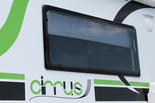 Cirrus-800-window-side