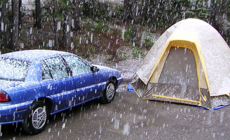 Tenting camping in the snow
