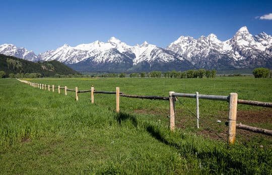 Tetons-Johnson-mountains