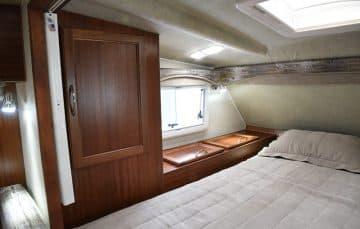 Northern Lite 10-2 EX bedroom driver side