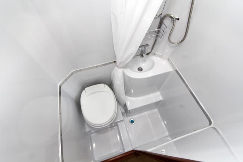 Northern Lite 10-2 EX Dry Bath floor space