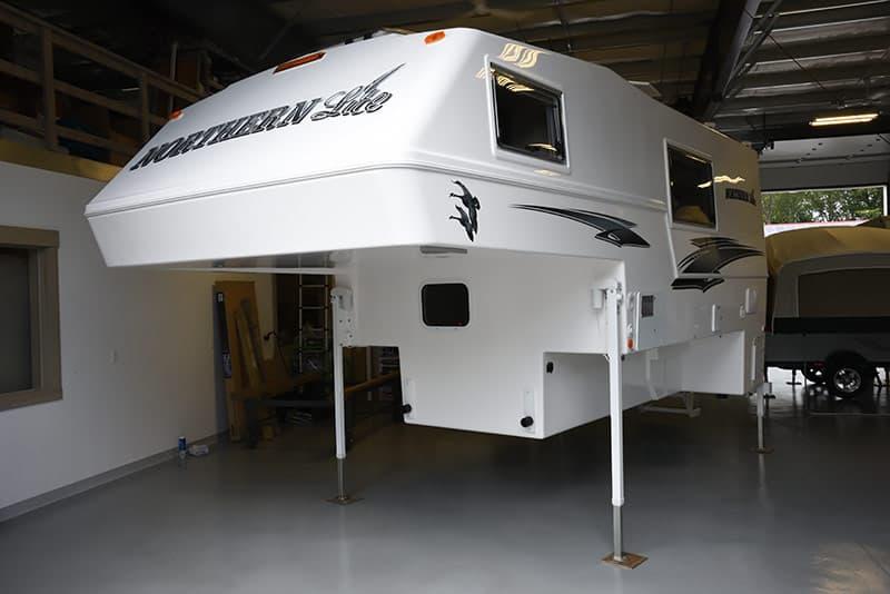Northern Lite 10-2 EX camper