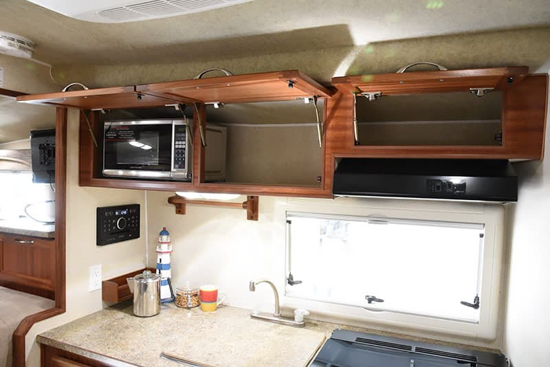 Northern Lite 10-2 kitchen cabinets with struts