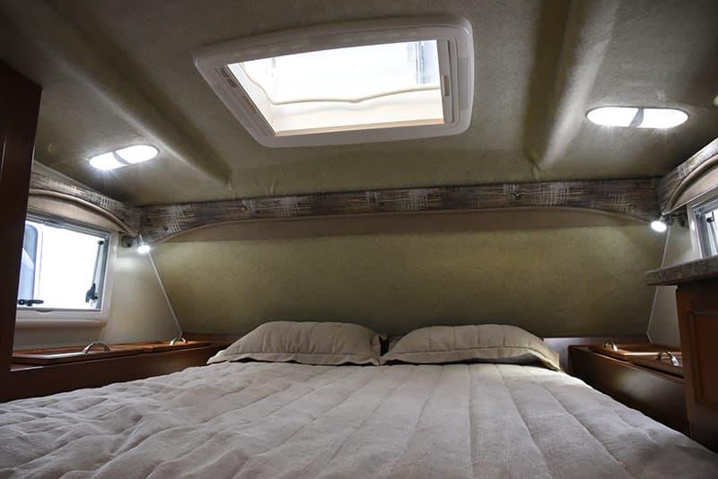 Northern Lite 10-2 Heki skylight and storage