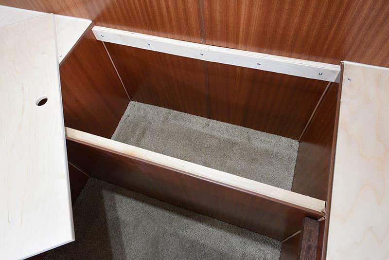 Northern Lite 8-11 EX dinette hidden area
