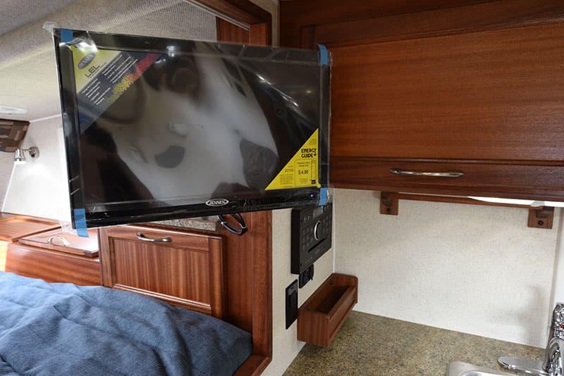 Northern Lite 8-11 EX kitchen HDTV