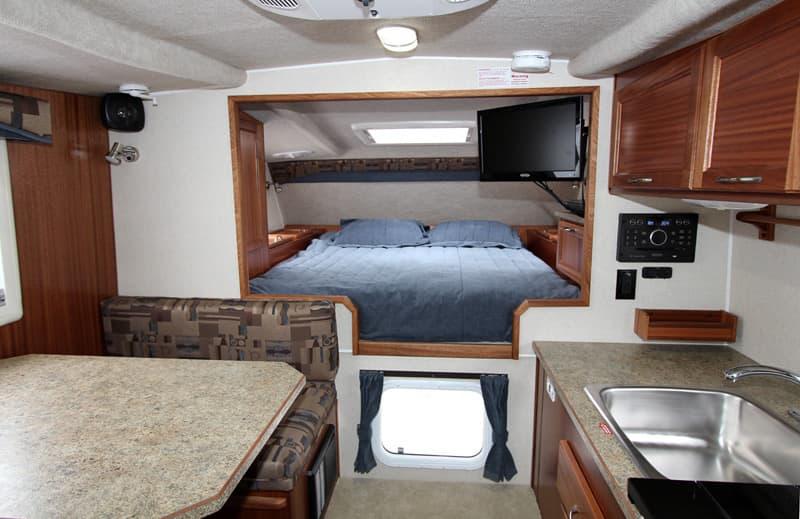 Northern Lite 8-11 EX camper