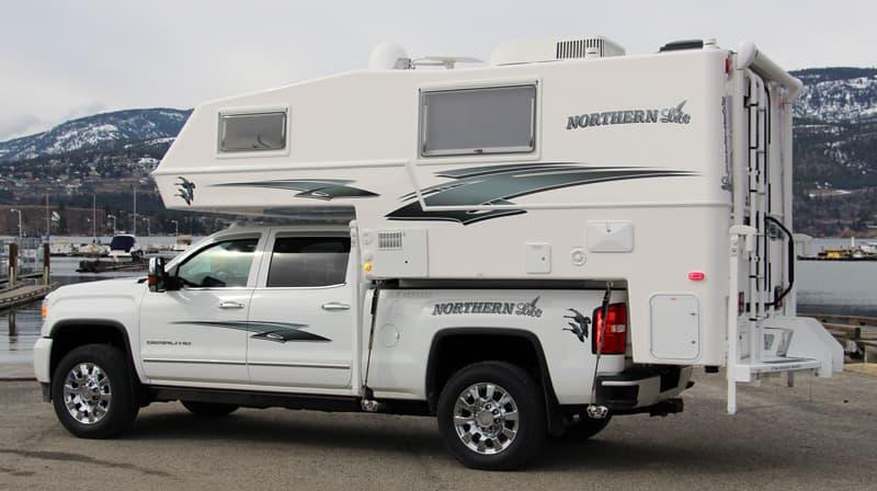 Northern Lite 8-11 EX dry bath truck camper