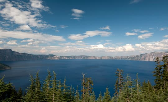 thirst-to-wander-crater-lake