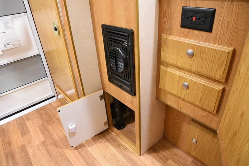 Northstar 650SC mid-storage lower area and heater