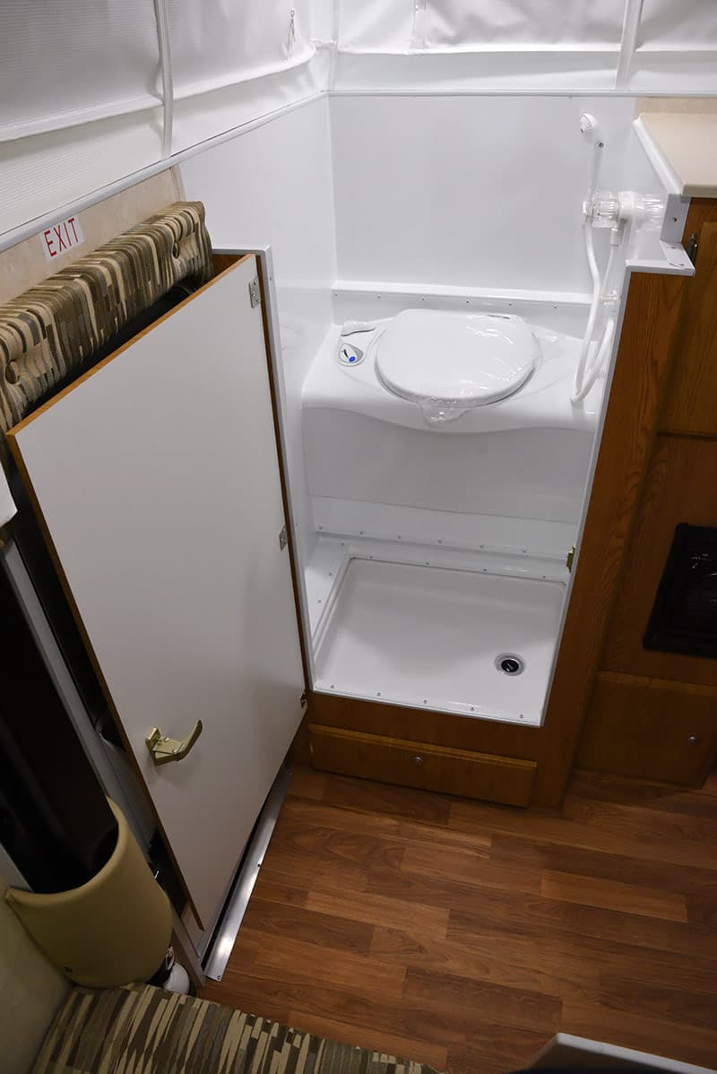 Northstar 650SC pop-up camper bathroom