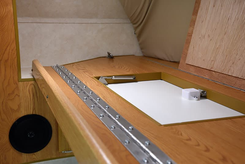 Upper Bunk Piano Hinge in Northstar Vista