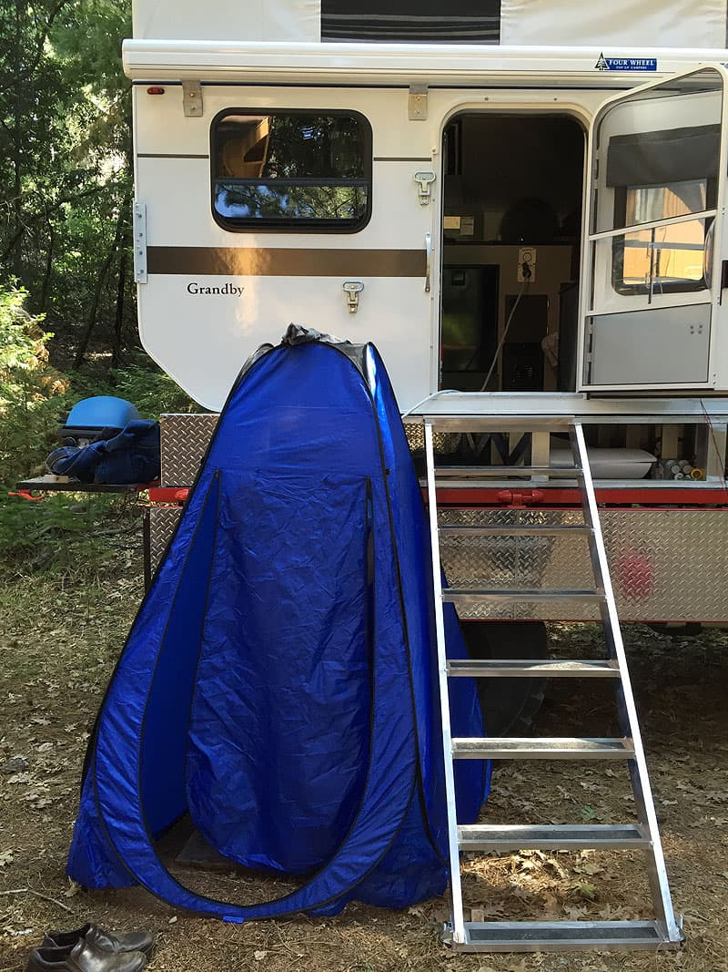 Pop-up tent for outside shower