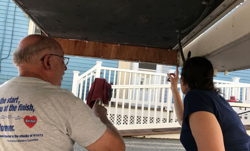 Overhang inspection and caulking passenger