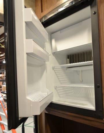 5 cubic foot refrigerator door open Palomino HS-650