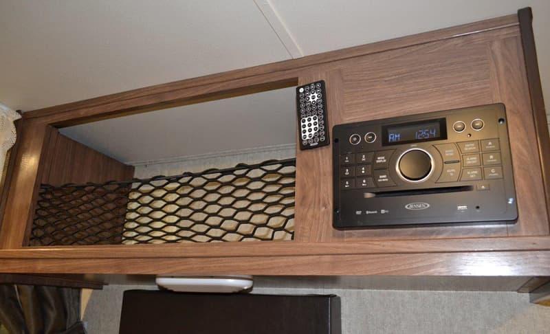 Palomino-HS-650-stereo-storage