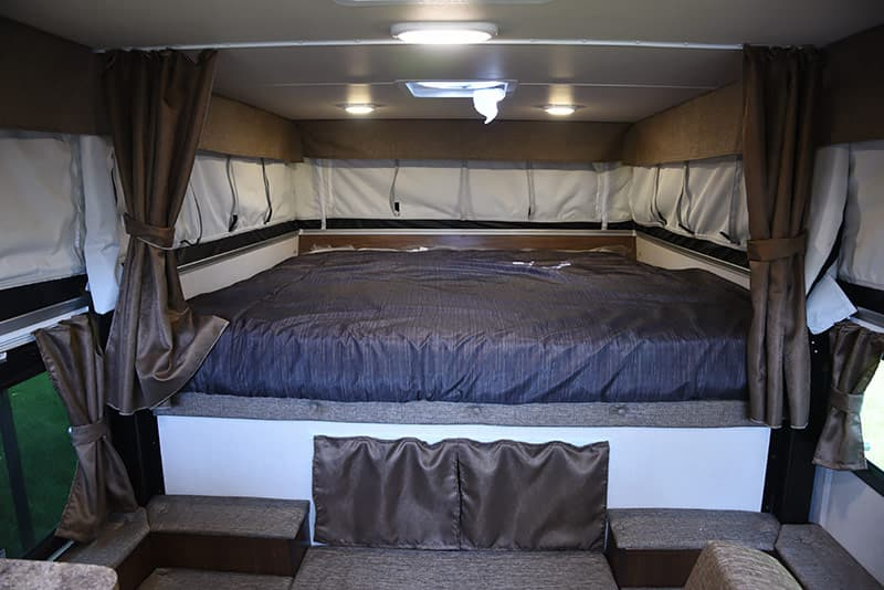 Palomino SS-500 north-south cabover bed