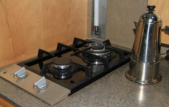 world-ready-rig-High-Output-Stove-Top