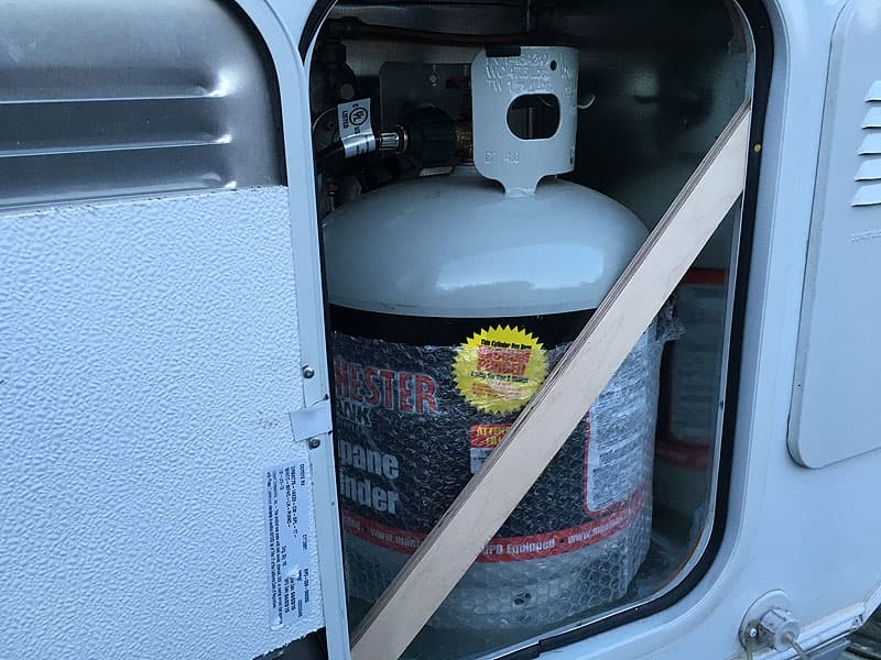 20-pound propane tank in Phoenix flatbed camper