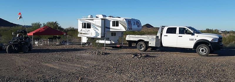 Truck and camper separate in Quartzsite