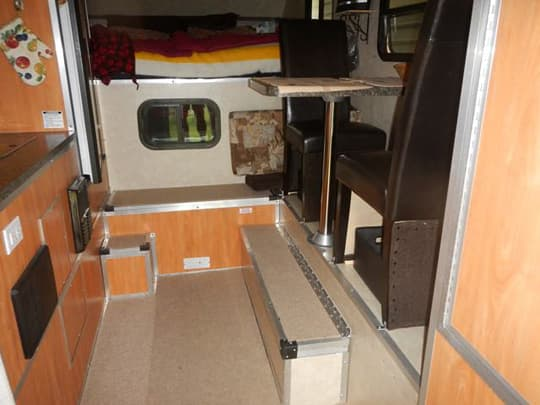 RV-seating-camplite-face-to-face