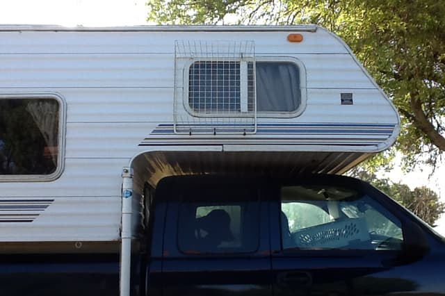 26 dog mods and 7 cat accommodations for Rv with balcony